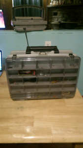 2 LEVEL MAGNUM 3500 PLANO TACKLE BOX FOR SALE