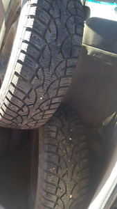 General Winters tires  on rims almost new 2000 km used 1 season