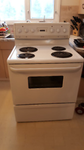 "30"" Frigidaire Electric Stove, white"