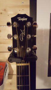 2011 Taylor Guitars Signature Series Doyle Deluxe