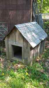 Large insulated dog house near Orillia
