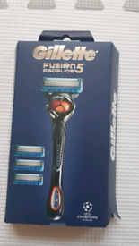 Gilette Fusion 5 Proglide Razor gift set *BRAND NEW*