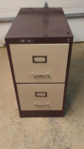 2 DRAWER ALL STEEL FILING CABINET IN GOOD SHAPE