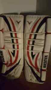 "Vaughn goalie pads 30"" + 1 Stratford Kitchener Area image 1"