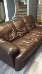 Divan brun simili cuir / Brown faux leather sofa