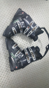 Botte de ski alpin Nordica F4 homme 9.5 soulier ou 315 mm 50$
