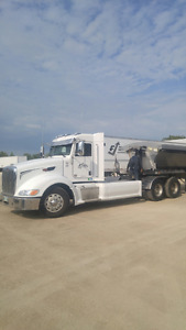 2010 Peterbilt 386 Day Cab
