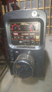 Lincoln Classic 300D Welder with Remote