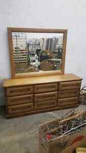 Bedroom set $200.