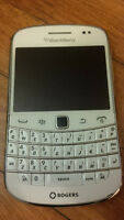 Unlocked Blackberry Bold 9900 for sale, white