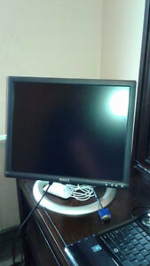 "DELL MONITOR 17"" FLAT PANEL LCD"