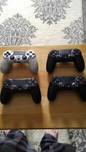 4 WIRELESS SONY PLAYSTATION 4 CONTROLLERS FOR SALE $40 EACH