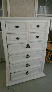 Dresser for sale excellent condition, 6 drawer excellent quality