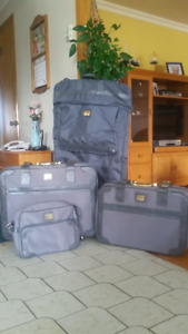 Ensemble de valises