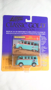 JOHNNY LIGHTNING 1960 VW BUS LIMITED EDITION CLASSIC GOLD DIECAS