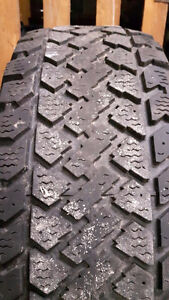 Barely used P235/70R16 winter tires incl steel rims