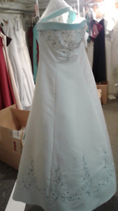 Blow out sale on wedding dresses