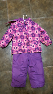 Girls snowsuit size 3T