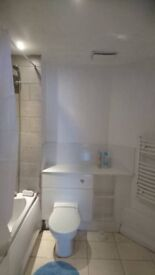 very nice room to rent in watford town centre