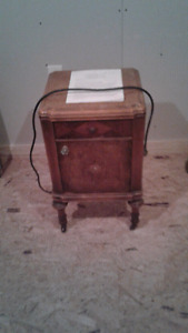 Roger's Radio end table/night stand