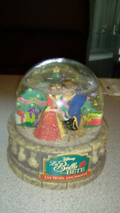Disney la belle et la bete noel enchanté snowglobe ocean spray