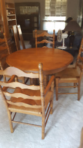 DINING ROOM TABLE / BUFFET & HUTCH