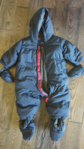 0-6 months baby gap down snowsuit