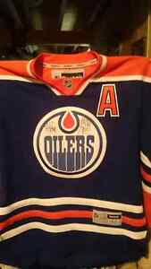 Ryan Nugent Hopkins jersey with off signitures...
