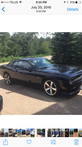 2012 Dodge Challenger SRT 8 Coupe (2 door)