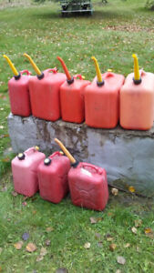 8 Used Gas Cans