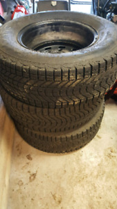 4 pneus Firestone Winterforce P245 / 70R16