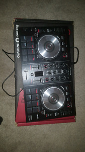 Pioneer DJ DDJ-SB2  DJ CONTROLLER (with case and box)