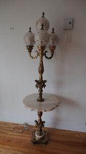 Lampe avec table en marbre