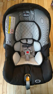 CHICCO Keyfit 30 Carseat + two bases + BundleMe PPU
