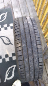 One tire on rim 5 bolt 16in 215/60 r16 ..(95) Q M+S tubeless