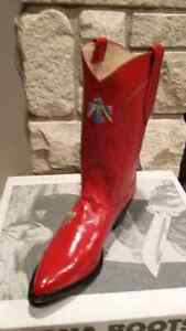 A variety of women'snew Cowboy boots and one pair of men's Peterborough Peterborough Area image 3