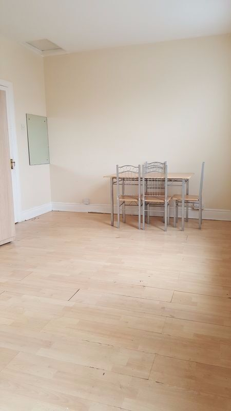 **LET AGREED** A BRIDGE ROAD, E10 - 2 BEDROOM FLAT WITH GARDEN AVAILABLE TO LET