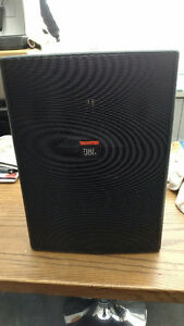 5 SPEAKERS   JBL A VENDRE