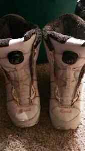 Size 5.5 to 6.5 Head snowboard boots with Boa lacing system London Ontario image 1