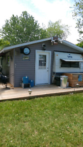 32' TRAILER with FULL LENGHT ADD ON