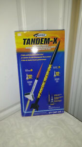 unique treasures house, tandem X rocket set