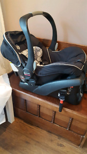 Britax b-safe car seat- siège d'auto