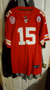 half off 2472a 52617 Chiefs Jerseys | Kijiji in Ontario. - Buy, Sell & Save with ...