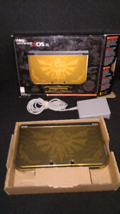 Zelda Hyrule Edition New 3DS XL w/ 13 Games, Box, & Accessories