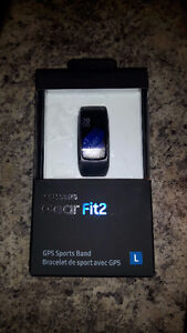 BRAND NEW IN BOX SAMSUNG GEAR FIT2 LARGE