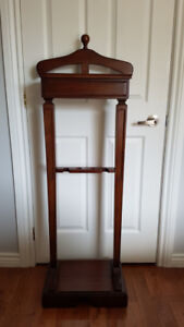 Clothing Valet Stand - Clothes Butler
