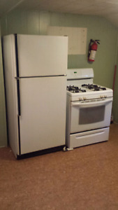 Kenmore  Refrigerator Fridigare  Gas Stove