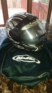 2 casques de moto HJC - 1 adulte et 1 junior