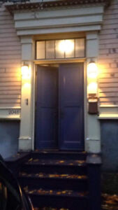 ATTRACTIVE 2 BEDROOM FLAT AVAILABLE IMMEDIATELY!!