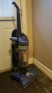 Hoover T-Series Windtunnel Purely Pet Bagless Upright Vacuum,